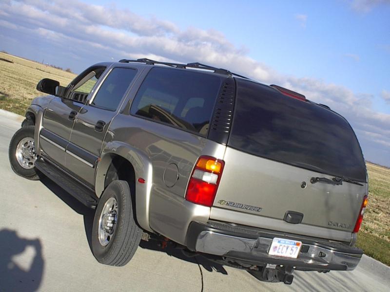 2005 CHEVROLET SUBURBAN 2500 LS