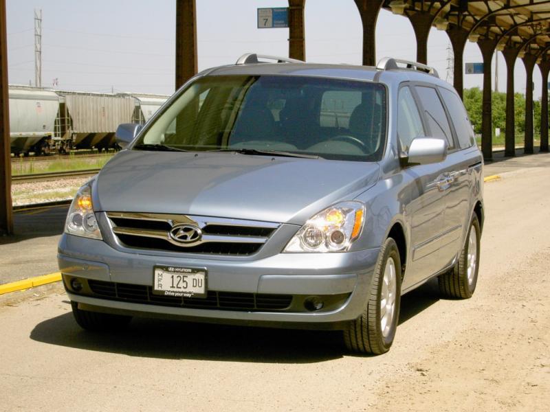 2007 Hyundai Entourage