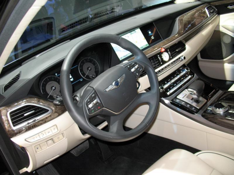 0 Hyundai Genesis