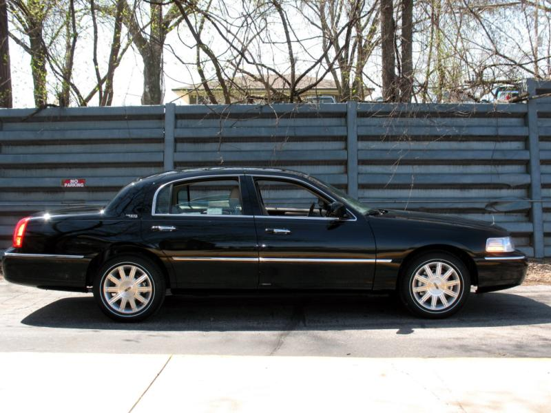lincoln town car cars for sale in the usa. Black Bedroom Furniture Sets. Home Design Ideas