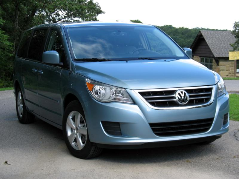 volkswagen routan cars for sale in the usa. Black Bedroom Furniture Sets. Home Design Ideas