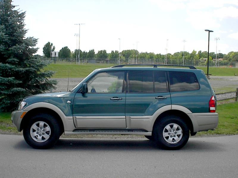 2003 Mitsubishi Montero