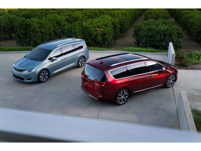 2020 CHRYSLER PACIFICA TOURING-L